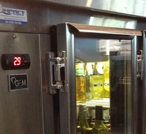 bottlesshop_fridge-500