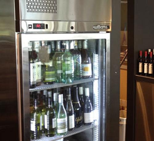 bottlesshop_fridge4