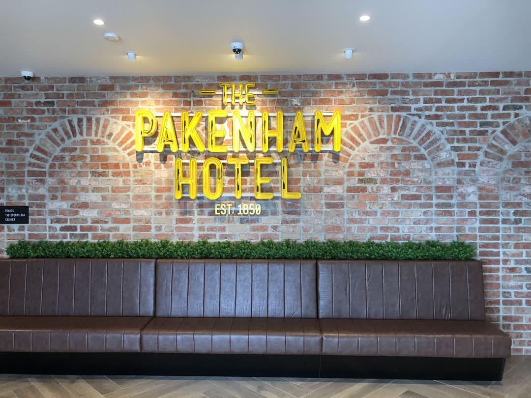 Pakenham Hotel